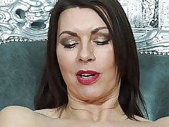 Bonny MILF fucks their way..