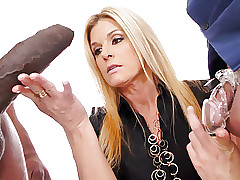 Cougar India Summer Fucks Beamy..