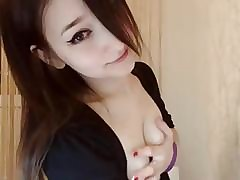 Asian hottie squirts be..