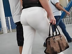 Amazing fat butts X-rated milfs..